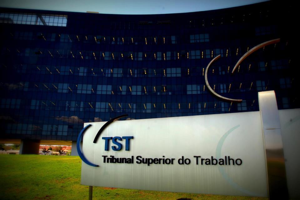 TST condena empresa que constrangeu trabalhador por demora no banheiro