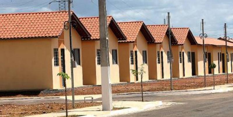 Governo avalia suspender contratações do Minha Casa e rever repasses do Sistema S para fechar contas – Economia – Estadão