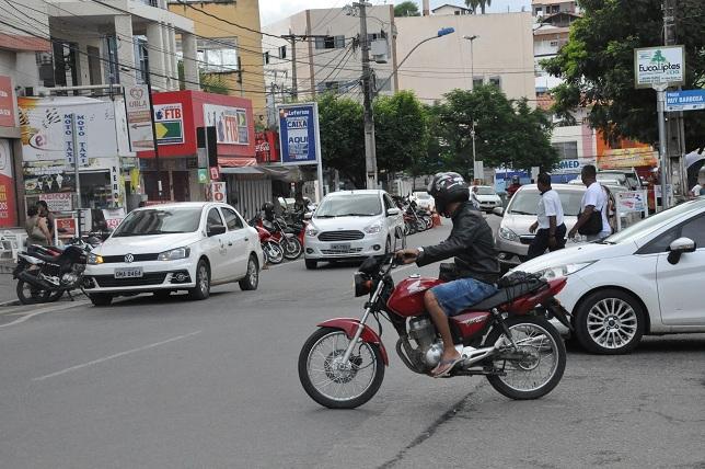 PROPOSTA DE ANTECIPAR FERIADOS PARA AS SEGUNDAS-FEIRAS TRAMITA NA CÂMARA DOS DEPUTADOS