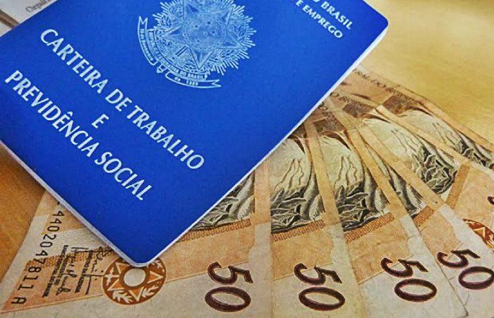Guedes reconhece que financiamento de salário falhou e estuda mudança com Congresso